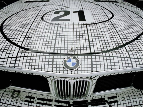 bmw_art_car_installation_grand_central_terminal_manhattan_at_yatzer_9